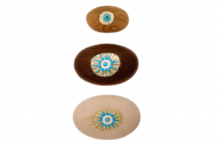 Wooden Eye Presse Papier. In Different Sizes & Colors